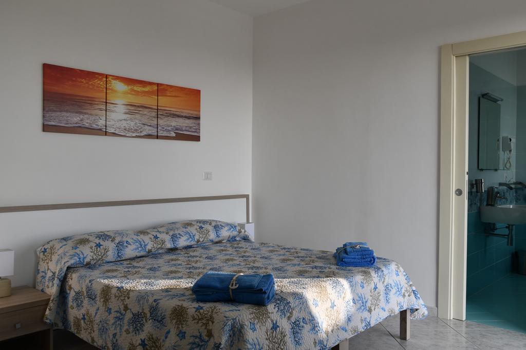 Hotel: Camera Matrimoniale - Hotel Indaco Hotel Ristorante Pizzeria Casal Velino Marina (Salerno) Cilento